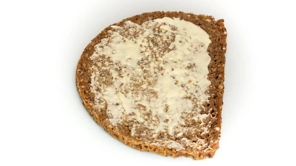 бутерброд всегда падает маслом вниз