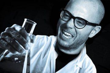 Сценарист «Прометея» Дэймон Линделоф начал работу над сериалом «Хранители» для HBO