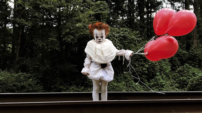 Косплей: страшные клоуны и пугающие дети из фильма «Оно» 11