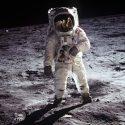 Дональд Трамп отправит американских астронавтов на Луну
