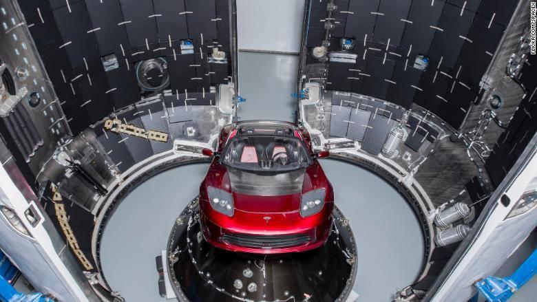 Илон Маск скоро запустит мощнейшую ракету Falcon Heavy, и вот почему это важно
