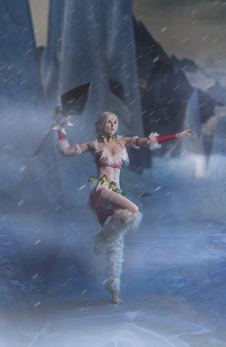 Косплей: снежный кролик Нидали из League of Legends 4