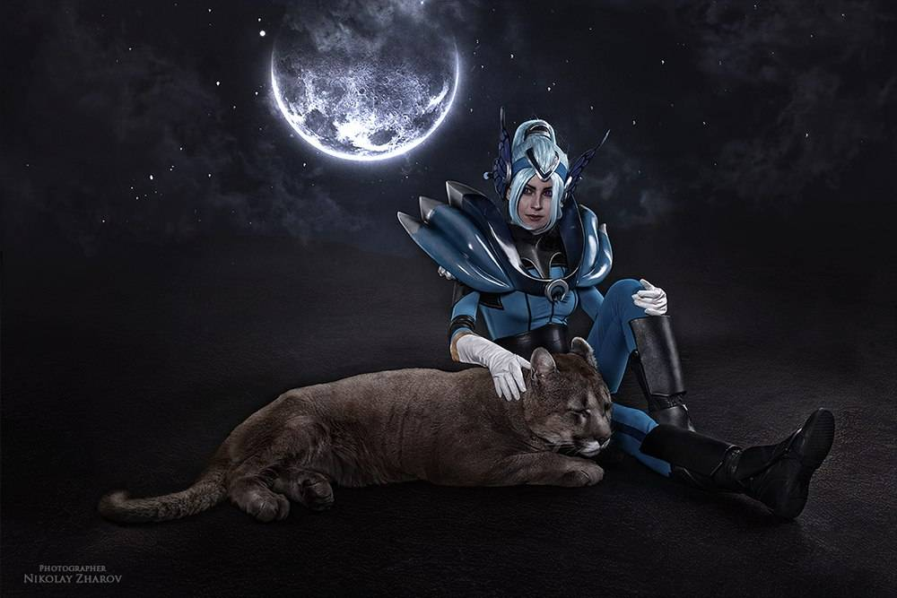 Косплей: наездница Луна из Dota 2 3
