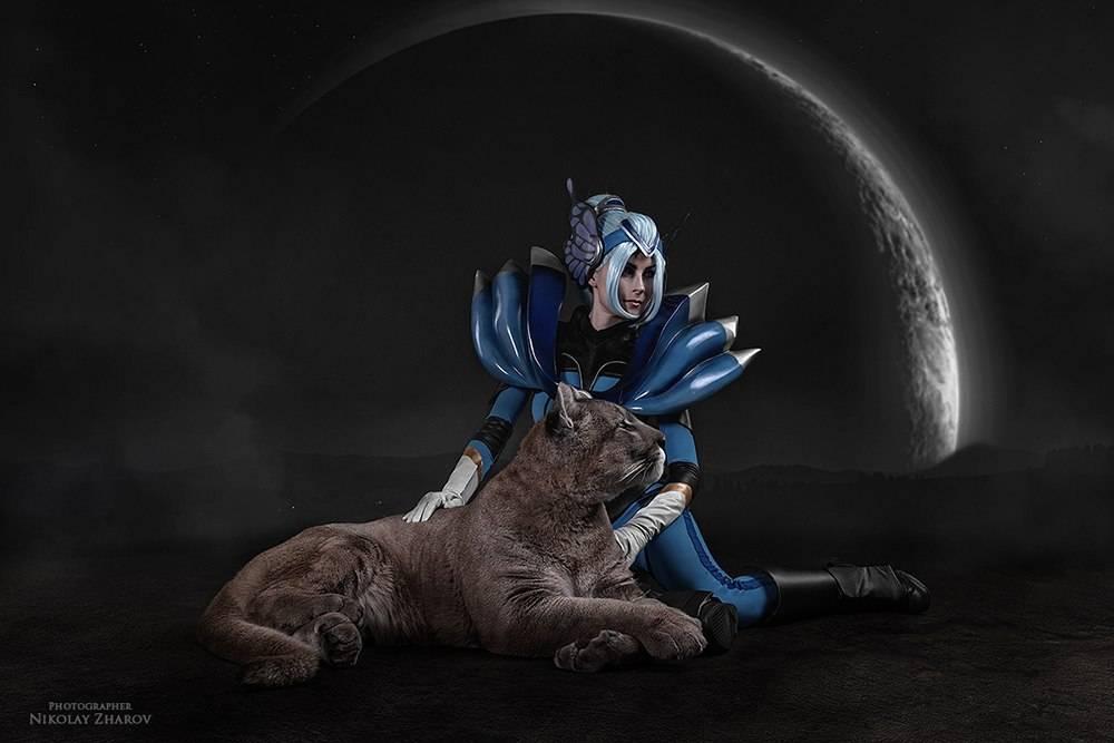 Косплей: наездница Луна из Dota 2 4