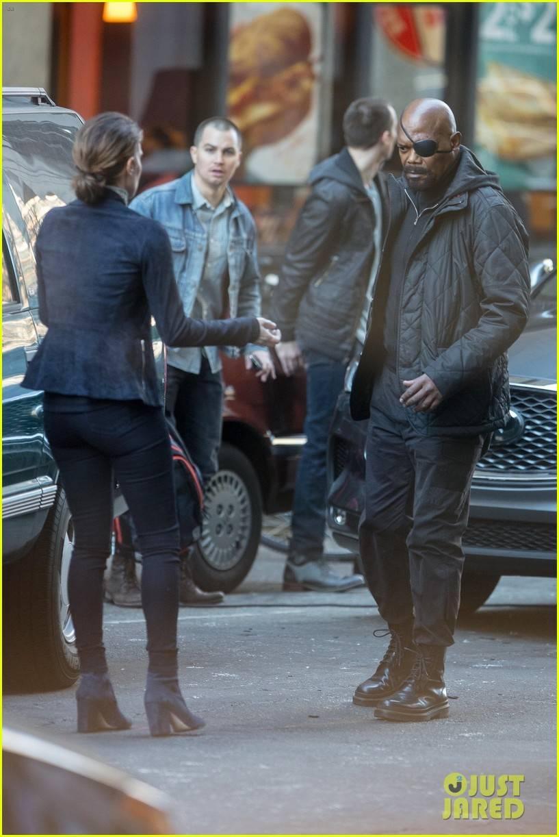 Фото: Ник Фьюри и Мария Хилл на съёмках неизвестного фильма Marvel 2