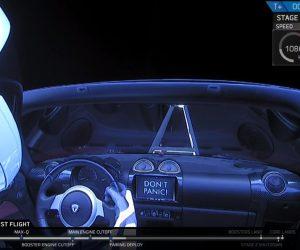SpaceX успешно запустила Falcon Heavy. Теперь в космосе летает электромобиль Tesla