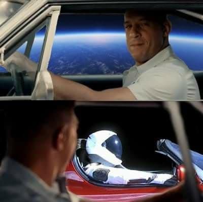 SpaceX успешно запустила Falcon Heavy. Теперь в космосе летает электромобиль Tesla 2