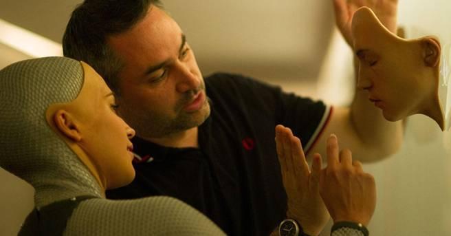 Алекс Гарленд снимет пилотный эпизод драматического сериала про девушку-разработчика