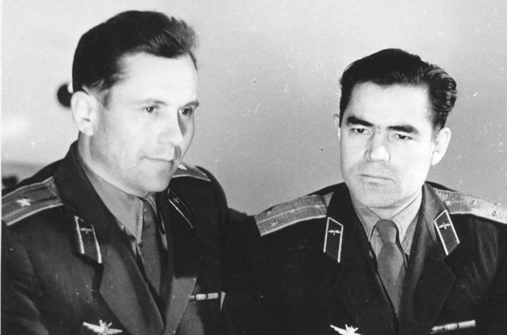 Андриян Николаев и Павел Попович