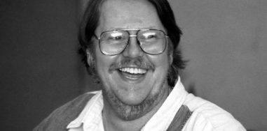 Умер Гарднер Дозуа — писатель, редактор и составитель фантастических анталогий