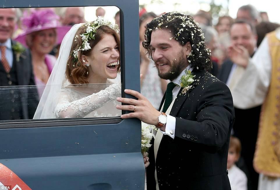 Фото: свадьба Кита Харингтона и Роуз Лесли. Теперь Джону Сноу предстоит многое узнать!