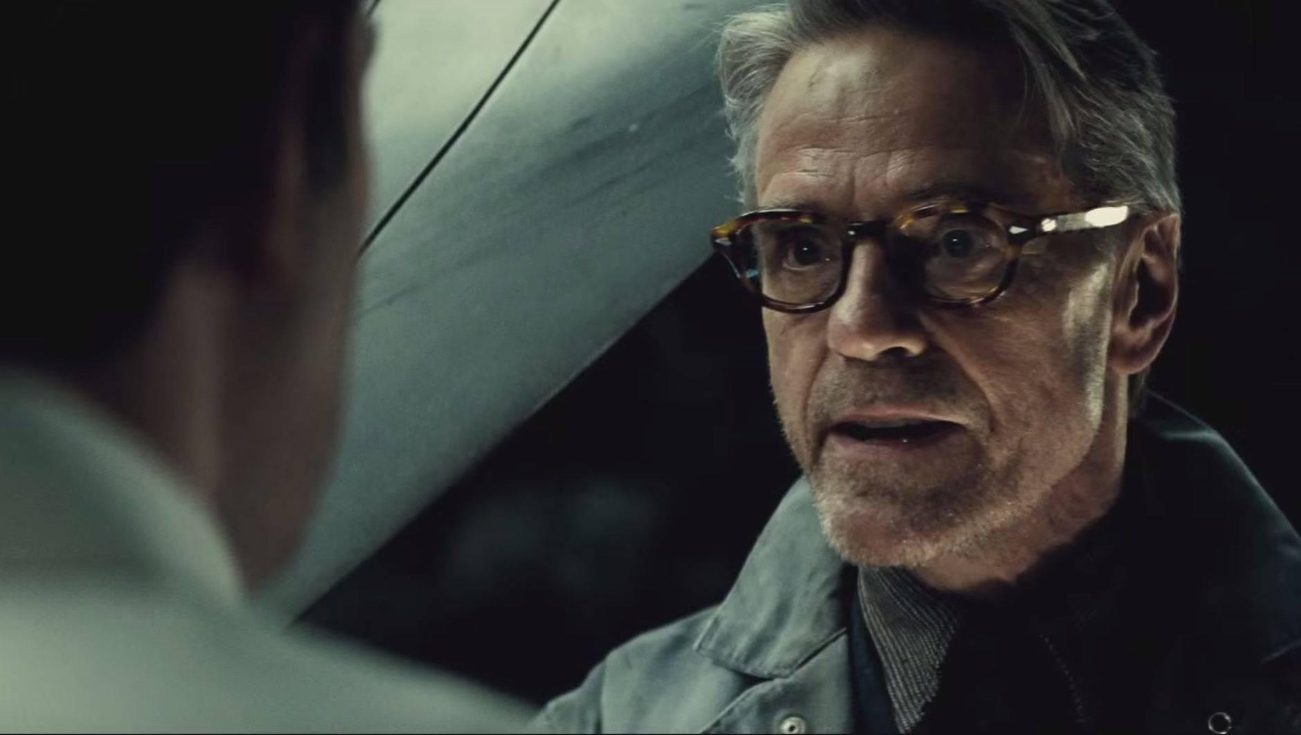 Джереми Айронс получил одну из главных ролей в сериале «Хранители» от HBO