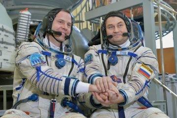 Почему выжили космонавты «Союз МС-10» 8
