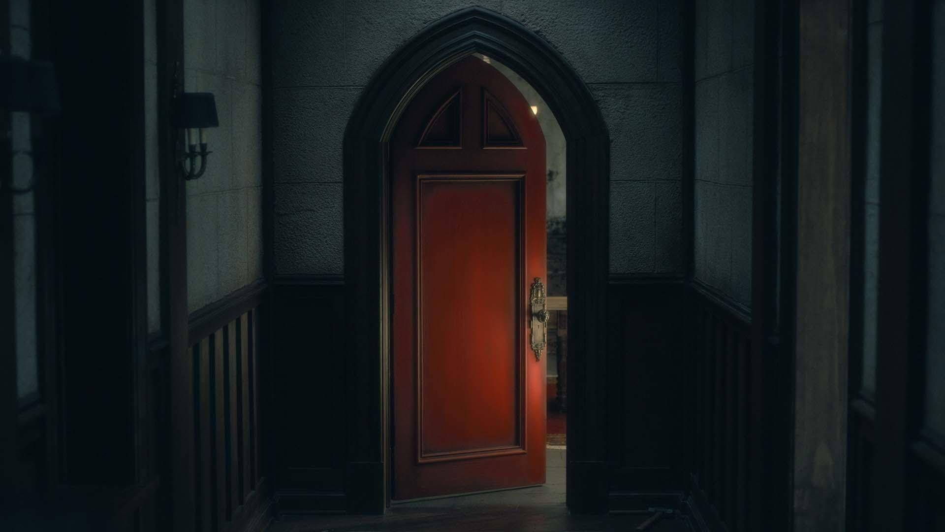 «Призраки дома на холме»: умная история о привидениях 2