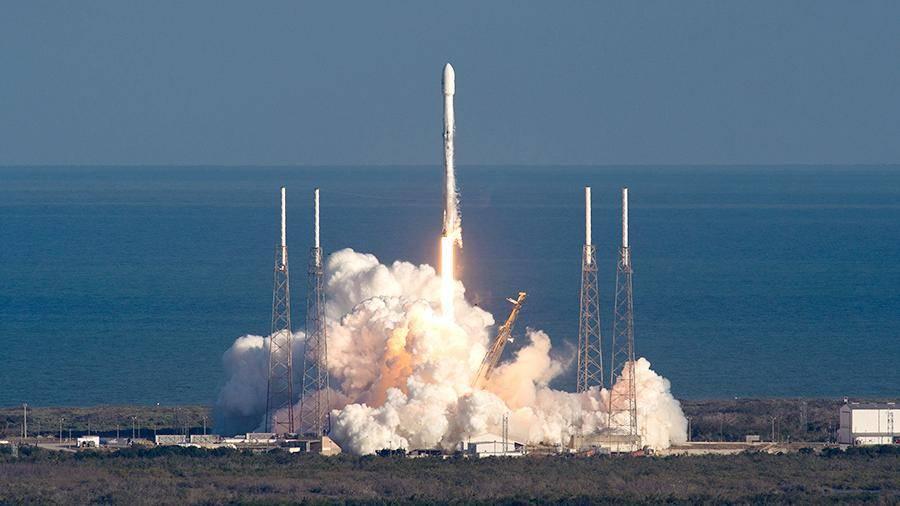 Казахстан запустит спутники с помощью Falcon 9, а не «Союза»