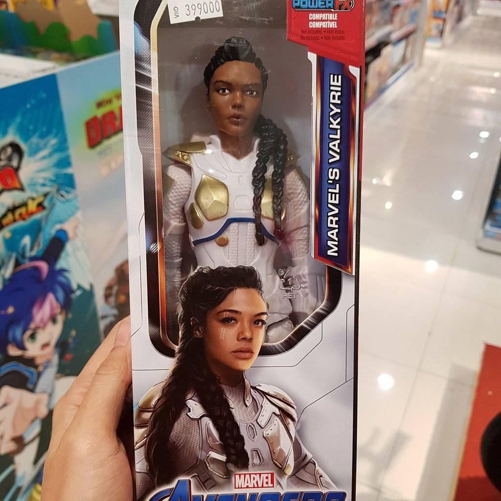 Утечка: игрушки по «Мстителям: Финал» тизерят возвращение «мёртвого» героя 6