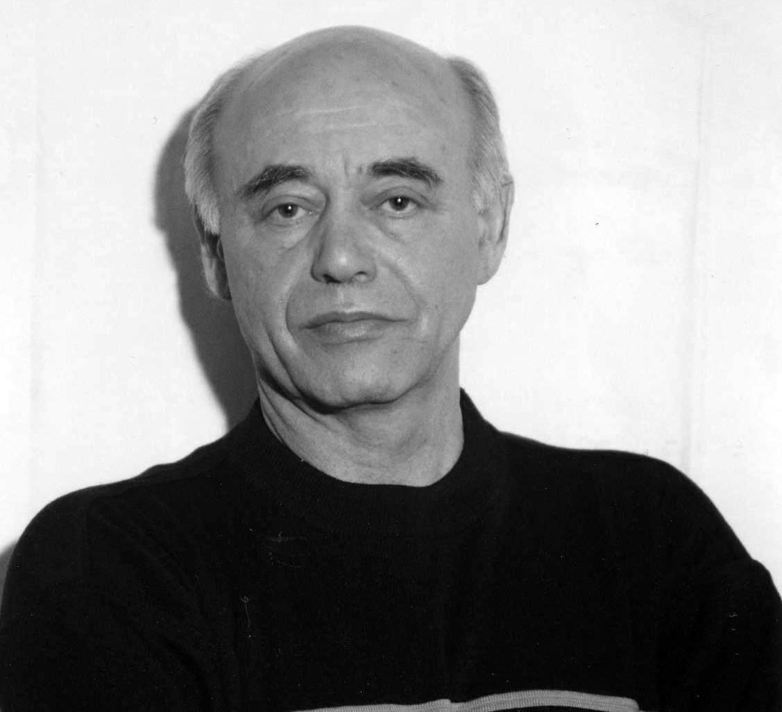 Умер писатель-фантаст и переводчик Михаил Ахманов