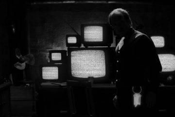 «Бехолдер. Официальный фильм» против Papers, Please: сравниваем экранизации 4