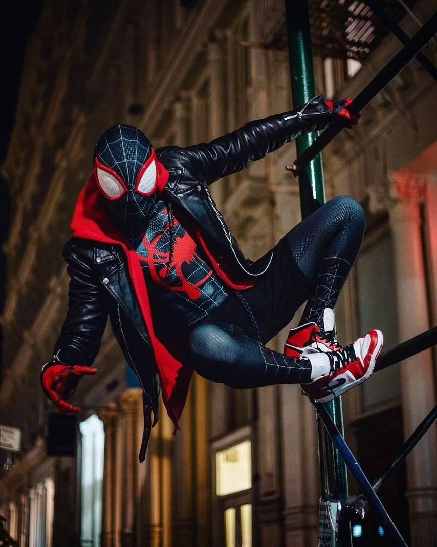 Косплей: герои мультфильма «Человек-паук: Через вселенные» 4