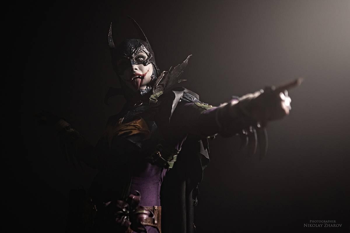 Косплей: образ-кроссовер Бэтгёрл и Джокера 7