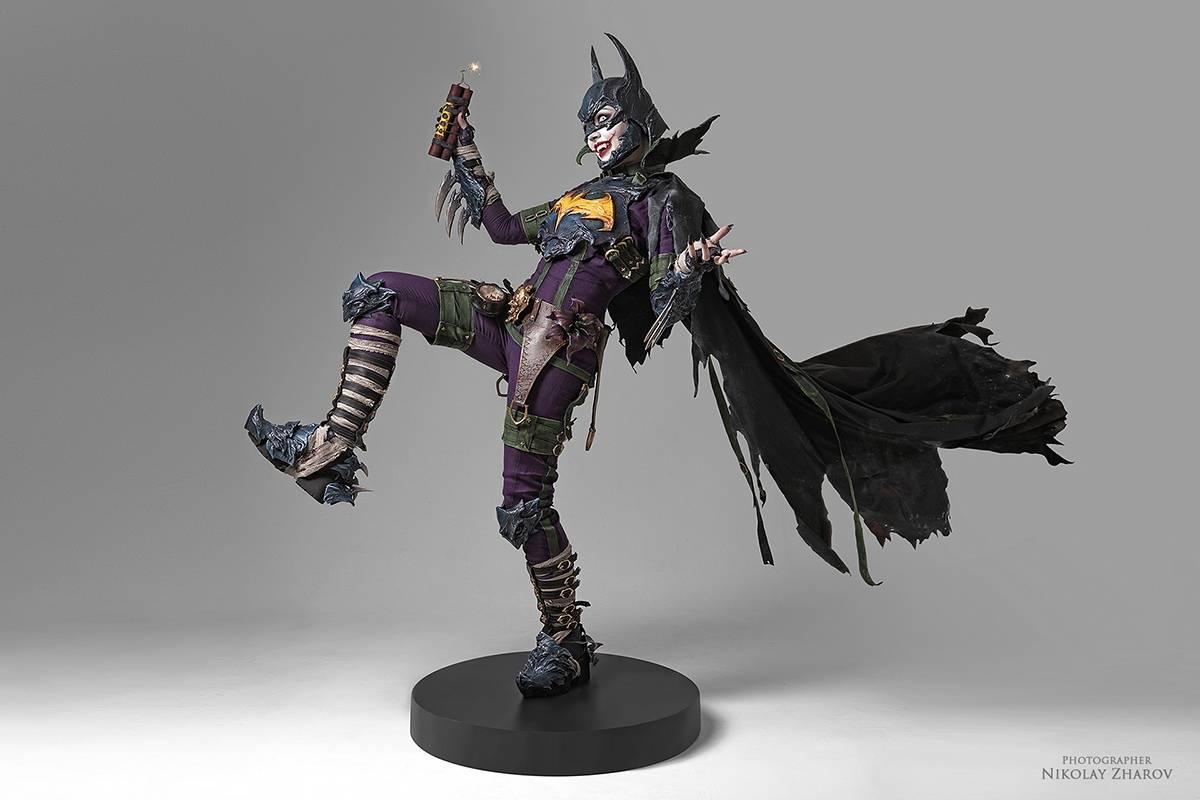 Косплей: образ-кроссовер Бэтгёрл и Джокера 9
