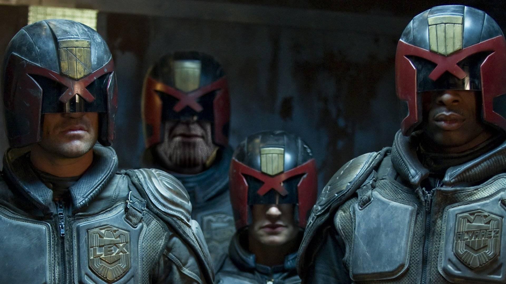 Флэшмоб «Скрытый Танос»: пользователи сети прячут безумного титана в других фильмах