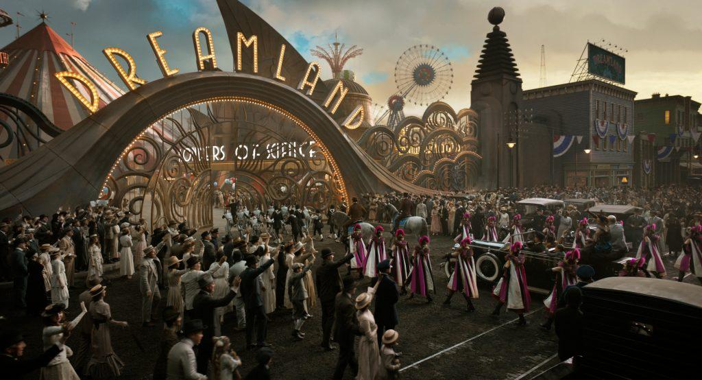 «Дамбо» Тима Бёртона — сатира на Disney, снятая на их же деньги