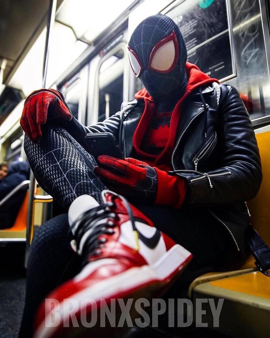 Косплей: герои мультфильма «Человек-паук: Через вселенные» 6