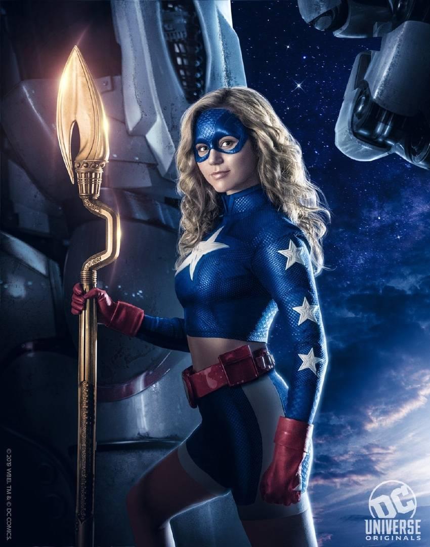 «Старгёрл», «Болотная тварь», «Титаны»: подробности и даты выхода грядущих шоу DC Universe 3