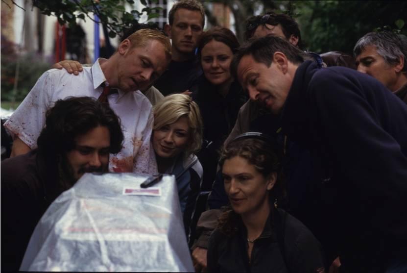 Фото: Эдгар Райт поделился снимками со съёмок «Зомби по имени Шон» в честь 15-летия фильма 5