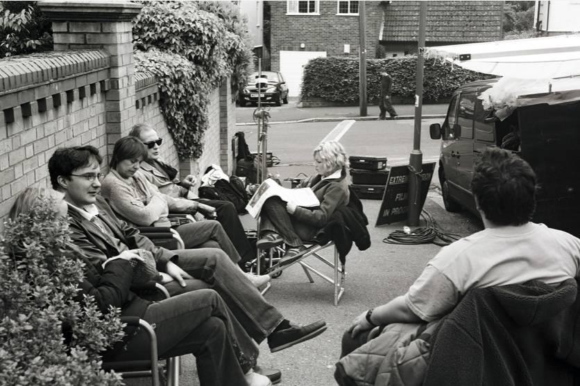 Фото: Эдгар Райт поделился снимками со съёмок «Зомби по имени Шон» в честь 15-летия фильма 13