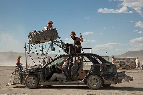 Безумный Макс: 40 лет фильмам про воина дороги 12