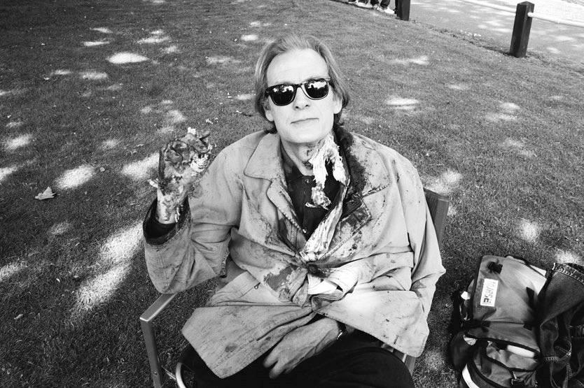 Фото: Эдгар Райт поделился снимками со съёмок «Зомби по имени Шон» в честь 15-летия фильма 17
