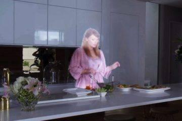 Нейросеть написала сценарий к «Чёрному зеркалу» — в нём есть горчица, 90 компьютеров и мать-голограмма