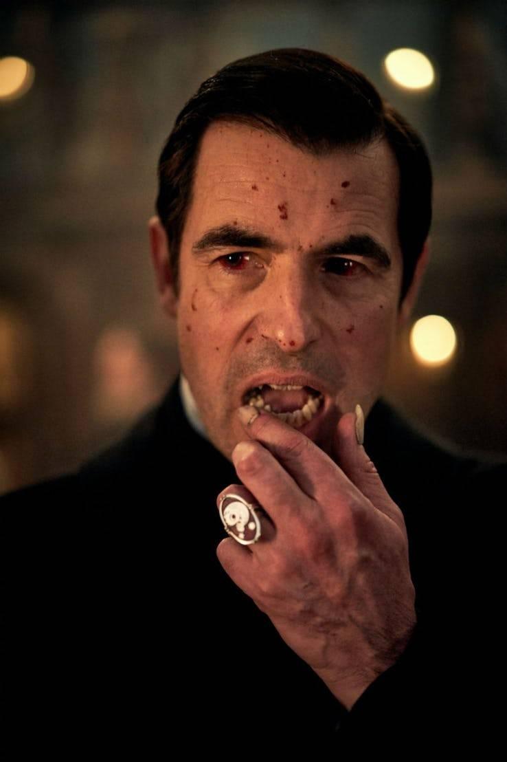 Фото: первые кадры «Дракулы» от «Би-би-си»и Netflix за авторством Гэтисса и Моффата 1