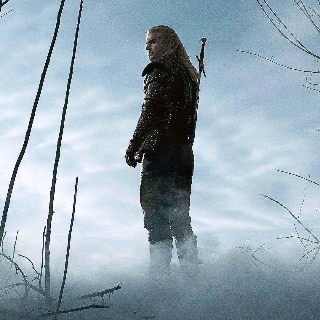 Netflix показал первый постер «Ведьмака» и промо Геральта, Йеннифер и Цири 1