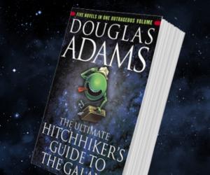 СМИ: Hulu запустила в разработку сериальную адаптацию книги «Автостопом по галактике»