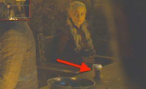 Эмилия Кларк рассказала, из-закого вкадр «Игры престолов»попал стаканчик кофе