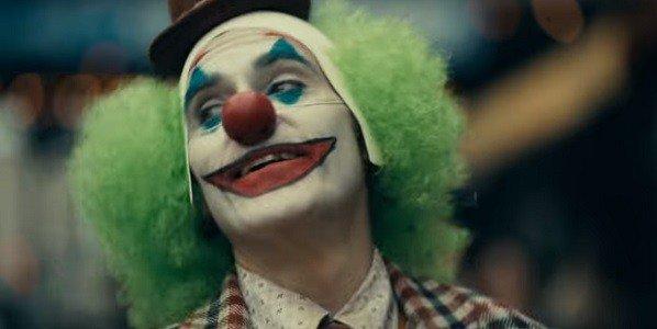 В России планируют снять фильм «Бумажные клоуны» — про аниматоров в костюмах Джокера и Бэтмена