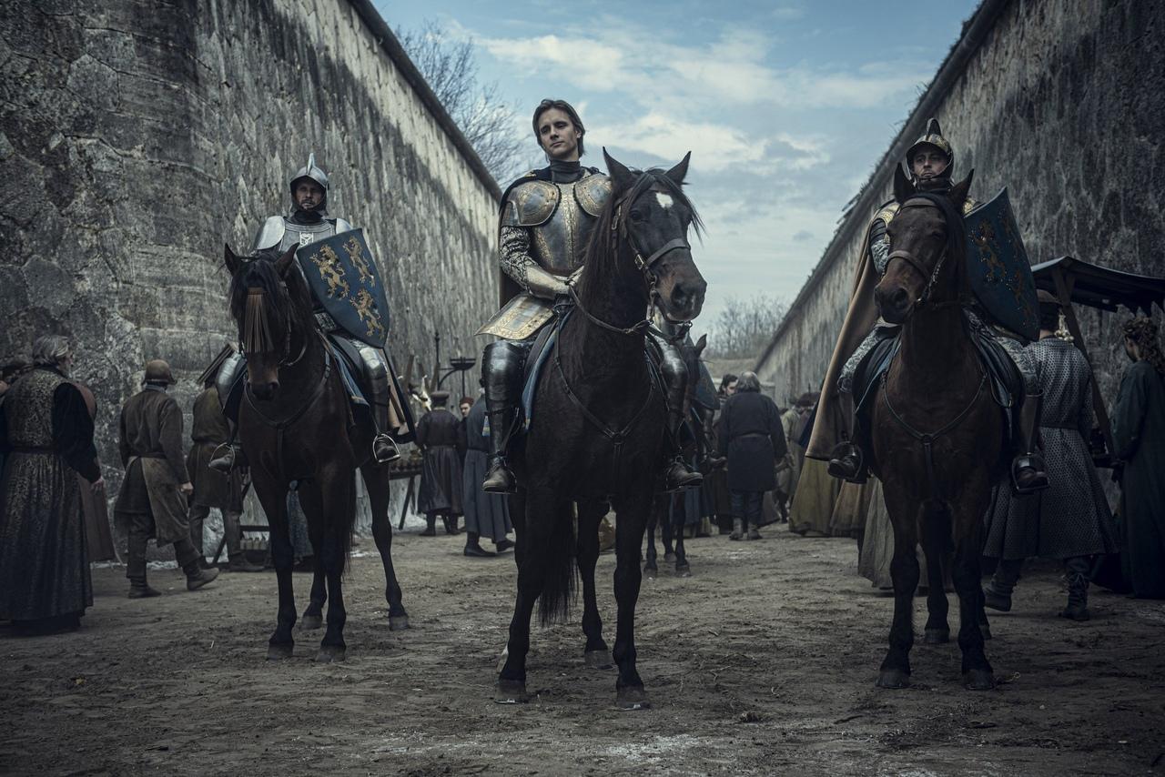 Netflix продлил «Ведьмака»на второй сезон —за полтора месяца до выхода первого 4