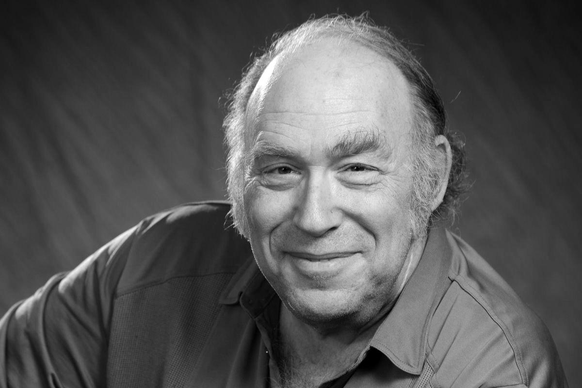 В возрасте 77 лет умер писатель-фантаст Майк Резник