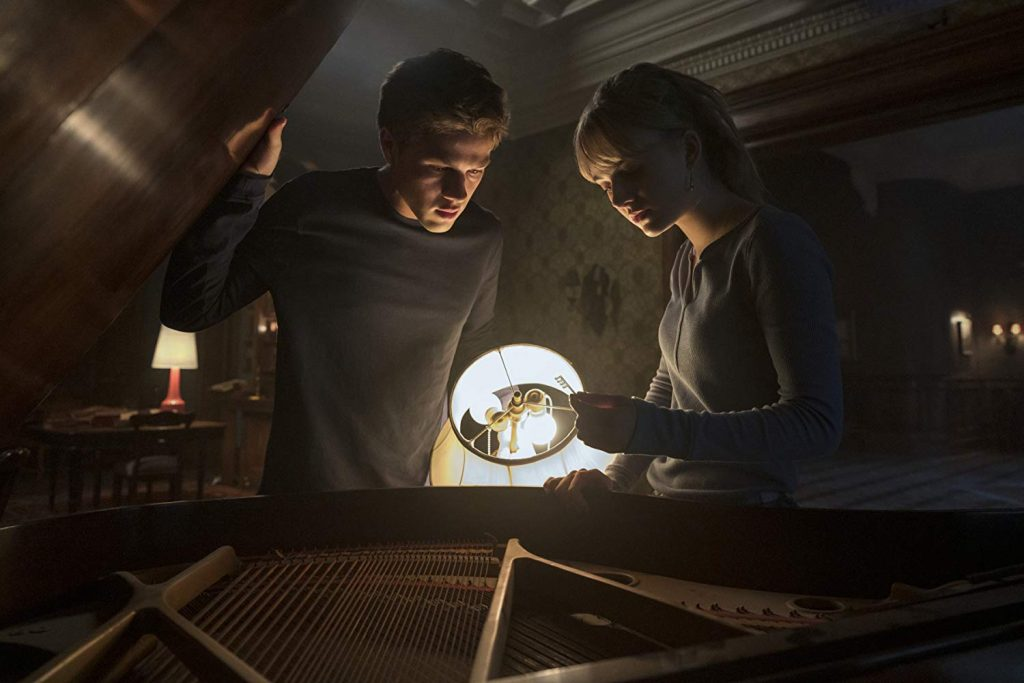 Какие сериалы смотреть в феврале 2020? Джедаи, киберпанк и зомби 3
