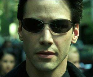 Deepfake: Нео берет синюю таблетку и возвращается к офисной работе