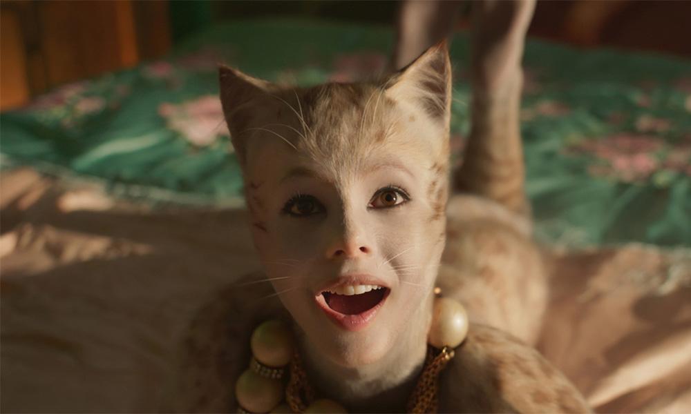 Авторы «Кошек» перед выходом картины замазали кошачьи анусы