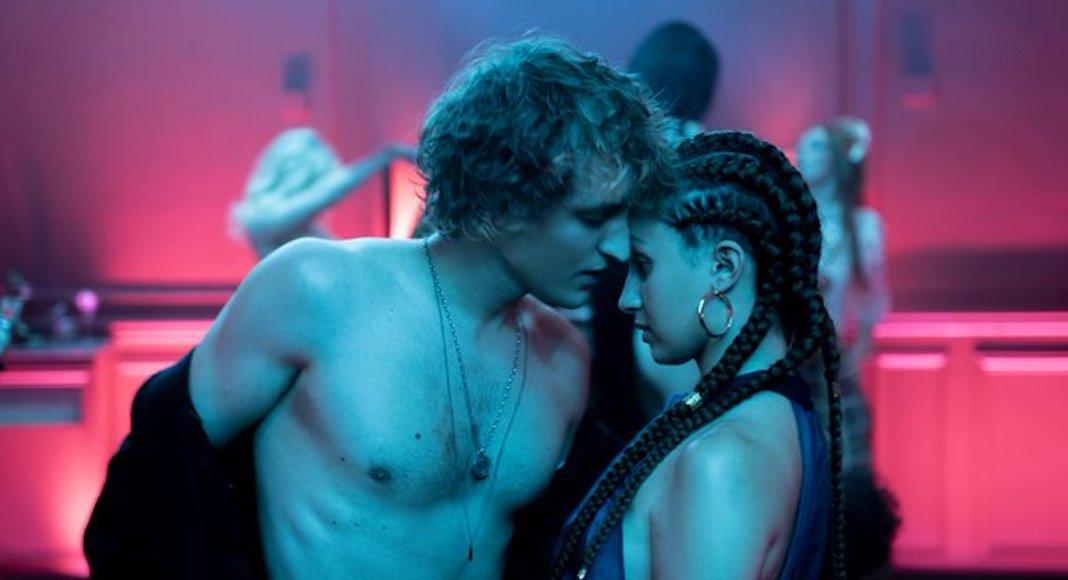 Новые сериалы марта 2020: ведьмы, рыцари и расисты 4