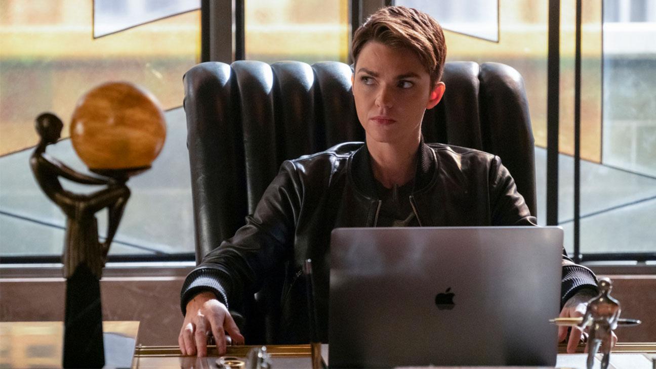 Руби Роуз покинула роль Бэтвумен после первого сезона. Канал будет искать замену