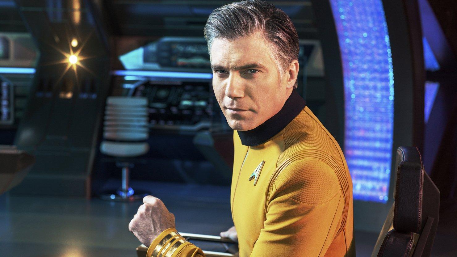 CBS работает над сериалом по «Звездном пути» про Пайка и Спока