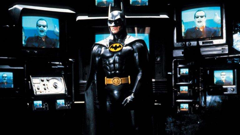 СМИ: Майкл Китон ведёт переговоры сWB ороли Бэтмена всольнике Флэша