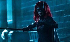 Создатели «Бэтвумен» заменят главную героиню вовтором сезоне после ухода Руби Роуз
