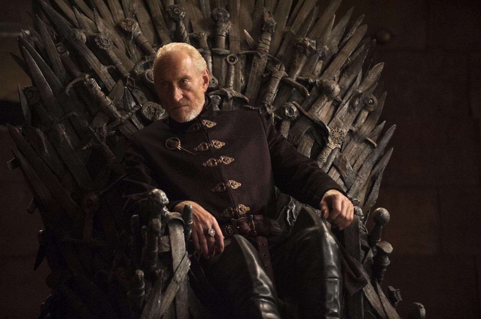 Чарльз Дэнс поддержал фанатов «Игры престолов», которые требуют переснять финал